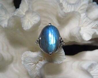 Beautiful Labradorite Ring Size 8.25