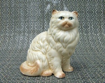 Porcelain Cream Persian Cat Figurine (Vintage)