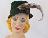 1940s Dark Green Feathered Bucket Style Hat by Betmar Sz 21
