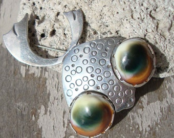 Vintage Modernist Fish Brooch Abstract Sterling Silver Operculum Novelty Pin – Signed