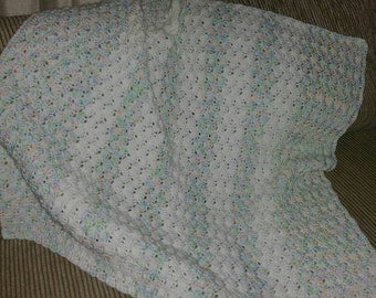 Cochet Shell Baby Afghan in Variegated Pastels and White