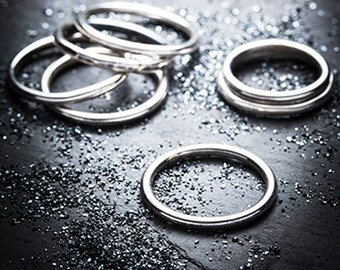 TANTRUM silver round wire stackable ring