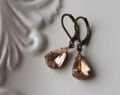 Vintage Glass Rhinestone Earrings / Pale Peach Pink Earrings / Rosaline Pink / Vintage Jewelry / Wedding Earrings / Romantic Dangle Earrings
