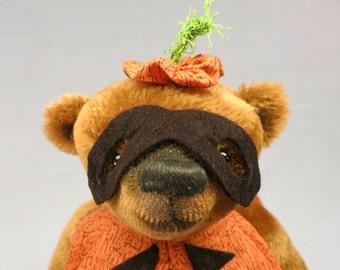 "Artist collectable bear ""Eddie"""