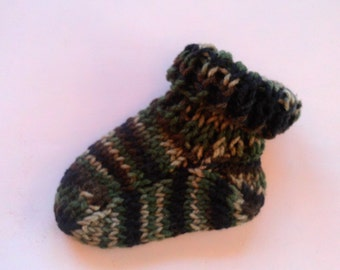 Hand Knit Baby Socks  Size 0 - 3 Camouflage Just Like Daddy,s