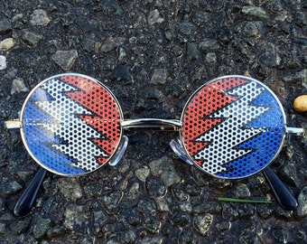point bolt graphic John lennon hippie style round sunglasses.