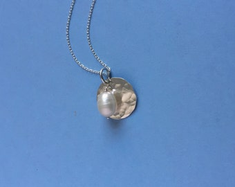 Pretty Pearl Pendant with Hammered Silver Disc