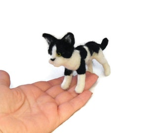 Custom Cat Sculpture -  Grey needle felted cat Ornament , small size