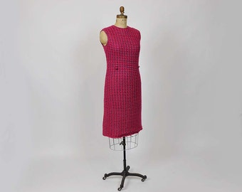 1960s Knit Dress /  60's Mod Dress / Vintage Sweater Scalloped Shift Dress