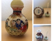 Vintage Old Chinese Enamel milk glass Snuff Bottle with Spoon Children Asian Antique