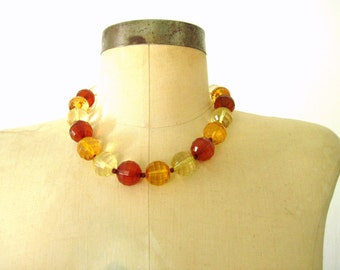 60s Vintage Necklace / TRI-COLORFUL Marble Necklace / 1960s Mod Chunky Necklace