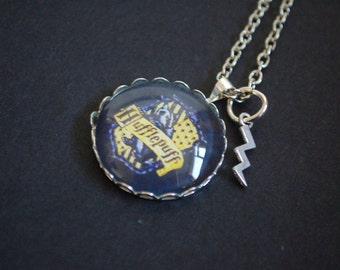 Harry Potter full hufflepuff badger crest necklace