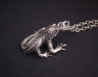 gecko lizard necklace
