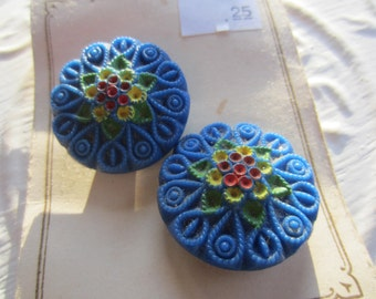 Vintage Buttons -  beautiful lot of 2 matching hand painted blue floral, Czechoslovakia very old, original card (mar 171)