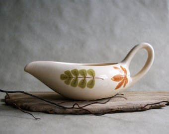 Vintage Poppytrail Gravy Boat in the Indian Summer Pattern Fall Dining Autumn Leaves Mid Century Modern Design Metlox China
