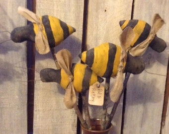 Primitive Grungy Bee Pokes Spring folk art pattern