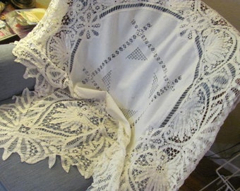 Stunning Antique Heavily Ornate Battenberg White Square Table Cloth