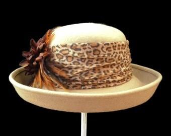 """Women's Wool Hat, Kettle Style Winter Hat, Wool Felt Upturn Hat in Neutral Tan - """"Un Complemento Perfetto"""""""