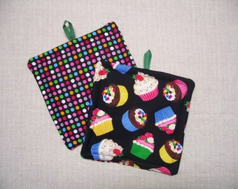 Cupcakes Pot Holder - Trivet - Hot Pad - Insulated Potholder - Novelty, For the Kitchen, For the Cook