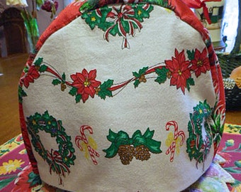 Cozy White CHRISTMAS TEAPOT COSY Green Wreaths Candy Canes Poinsettias Pine Cones, Washable Cotton, Soft Flannel Lined 9 x 12 Holiday Gift