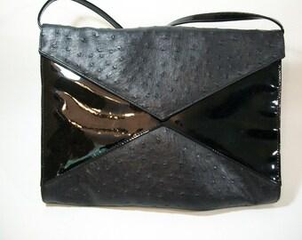 1980s Black Faux Ostrich Leather Large Shoulder Bag Clutch Purse Boho Club