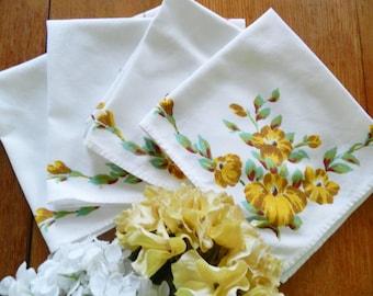Print Napkins, Vintage Napkins, Gold Napkins, Jadeite Napkins, Luncheon Napkins, Cotton Napkins, Gold Floral Napkins