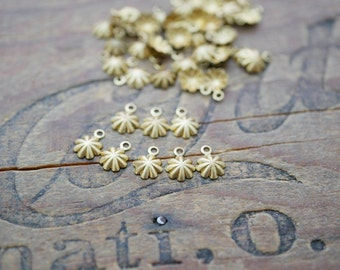 Small Brass Drop Dangle Floret Drop Made in the USA (8) B2039