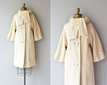 Lilli Ann mink collar coat | vintage 1960s fur collar coat | cream wool 60s coat