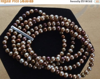 On Sale Pretty Vintage Multi-Strand Beige, Burgundy Faux Pearl Stretch Bracelet (B6)