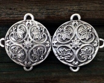 Round Renaissance Pewter Cloak Clasp | Cloak Clasp | Medieval Jewelry | Renaissance Jewelry | Victorian | Handcrafted | Treasure Cast Pewter