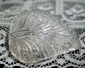 Great Vintage Transparent Clear Glass Leaf Button NBS Medium Realistic