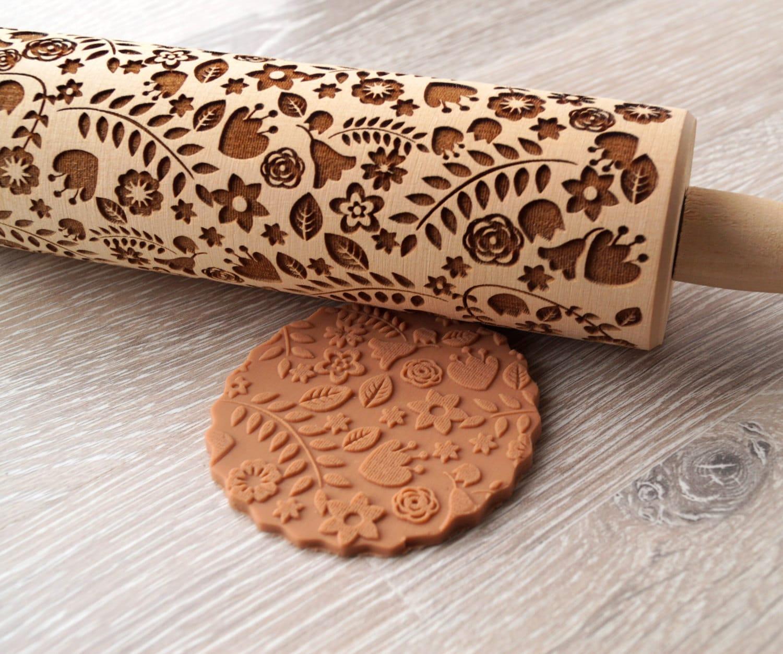 embossing rolling pin floral design cookie decorating. Black Bedroom Furniture Sets. Home Design Ideas