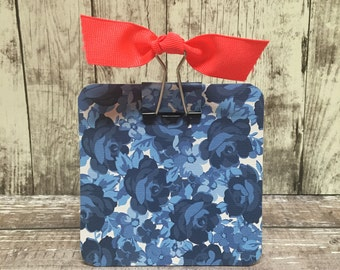 Post It Note Holder- Navy Roses