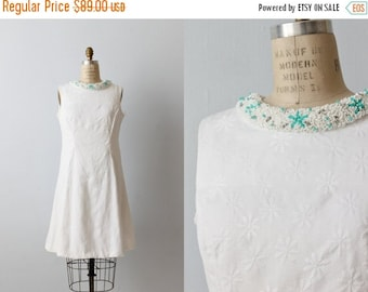 SALE Vintage 1960s White Sheath Shift Dress with a Turquoise Beaded Collar / Sleeveless Dress / Daisy Flower Embroidery