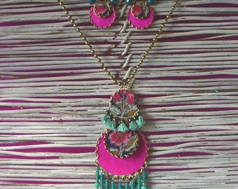 Sumatra pendant and earrings