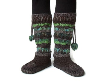 Enchanted Woodland Moccasin slipper and legwarmer set Multicolored crochet tribal moccasin Gypsy muk luk slipper boot Forest aztec slippers