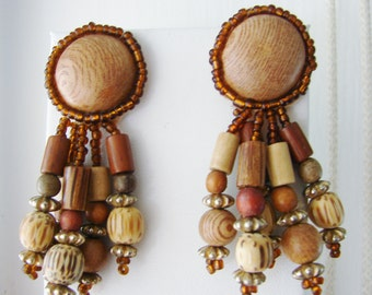 Vintage tan and brown bohemian beaded earrings (C3)