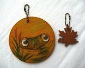Vintage Keychains, Handmade Keychains, MOM, Wooden Keychains, Frog Keychain, Google Eyes, Wooden Oak Leaf, Handpainted Frog,Unique Key Rings