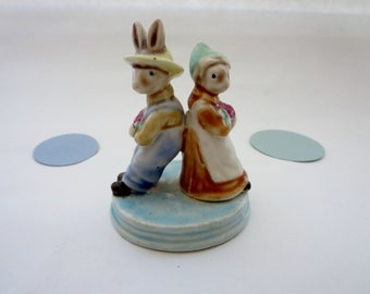 Vintage Pair of Bunnies on Slate - Bunny Couple Figurine - Mr and Mrs Bunny Figurine - Golden Rose Giftware Collectible figurine