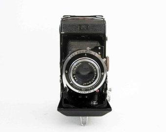 Vintage Zeiss Ikon - Pronto S Novar-Anastigmat Camera. Circa 1940's.