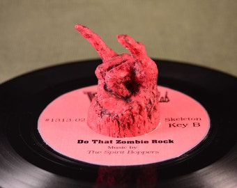 Devil Rock 45  RPM Record adapter
