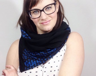 Unique Cowl Scarf, Houndstooth Scarf, Womens Scarves, Zipper Cowl, Handmade Scarves, Zipper Scarf, Black Scarves, Fashion Scarves, Scarves