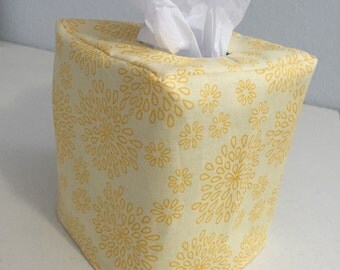 Reversible Tissue Box Coxer in Lullabelle Fabric
