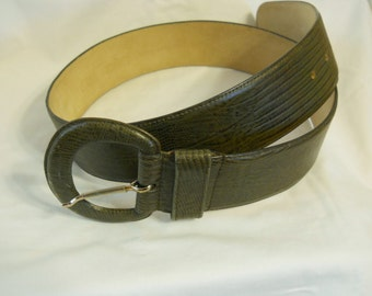 Ladies Belt Olive Green Lizard Pattern Axiom