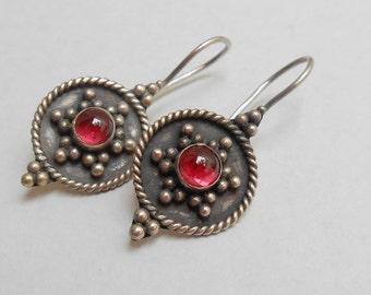Balinese Sterling Silver genuine garnet cabochon dangle Earrings / silver 925 / Bali jewelry / welded hooks