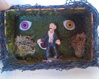 Tiny Zombie Diorama. Perfect for Halloween!