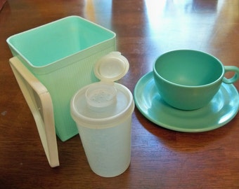 turquoise shades of Tupperware duraware kitchen fun from days gone by
