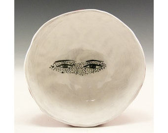 Looker - Jenny Mendes Painting in a White Ceramic Pinch Bowl