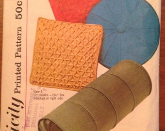 Vintage 1960s Simplicity 4515 Pillows- Bolster, Round and Square with Smocking