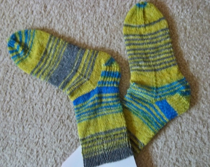 Socks - Handknitted Socks - Unisex - Size Large 8 US / 38/39 EU - Colors Yellow, Grey and Blue